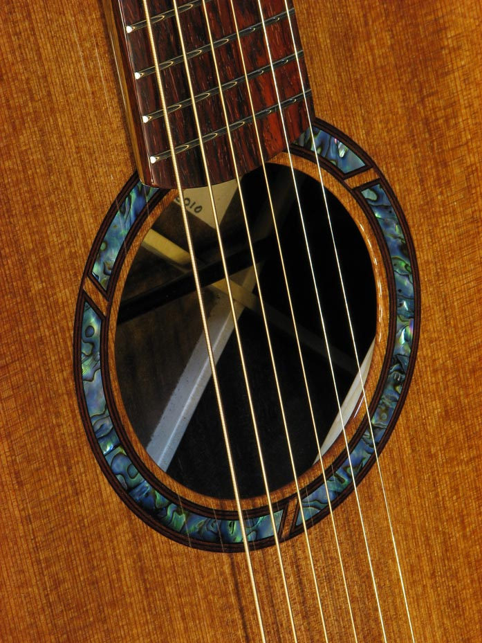 abalone_rosette-Guitar-Luthier-LuthierDB-Image-4