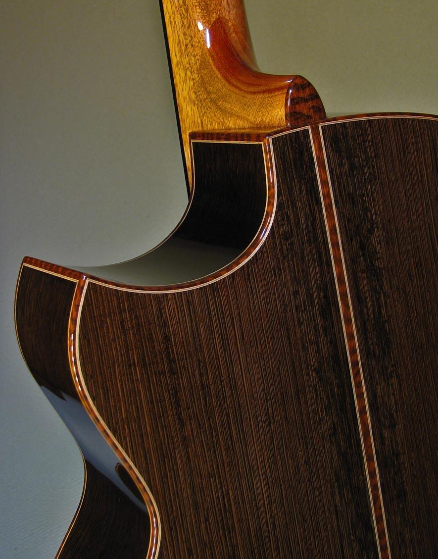 estrem_cutaway-Guitar-Luthier-LuthierDB-Image-2